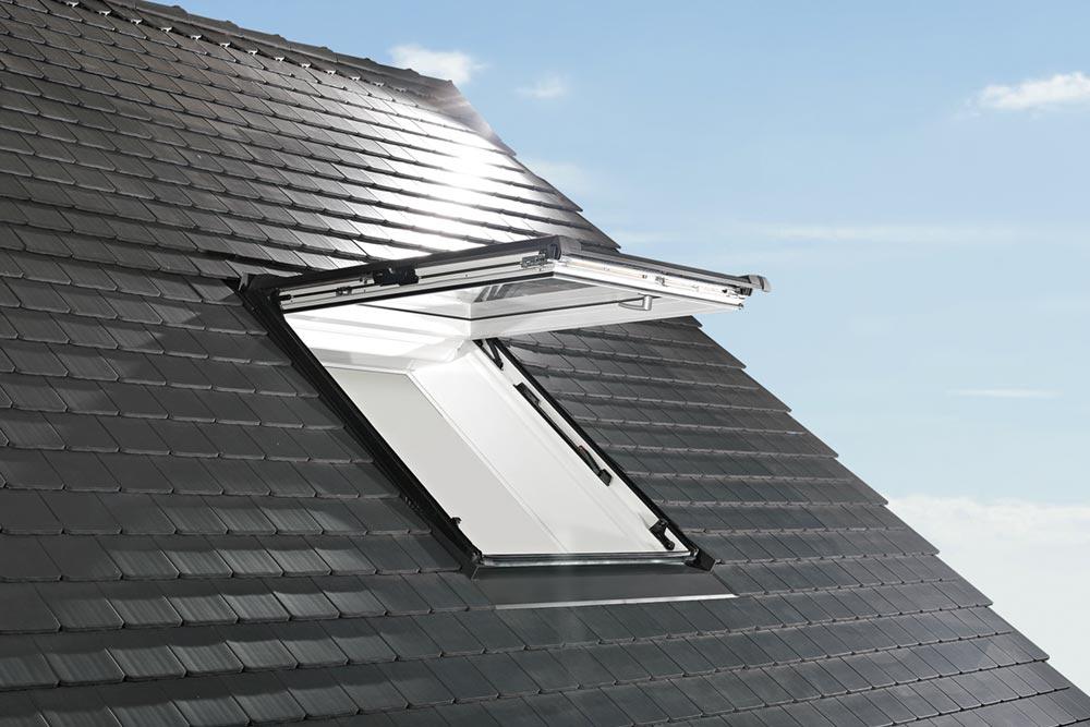 Dachfenster-Designo-R8-Klapp-Schwingfenster-Frankfurt